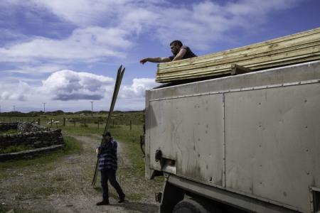 Unloading timber